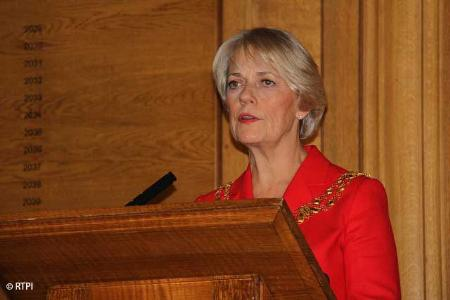 Janet Askew speaking at her inauguration
